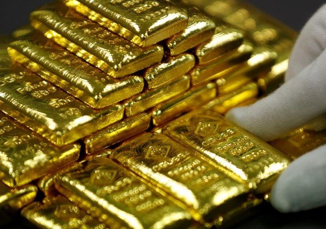 9903445 627 - قیمت طلا به سقف 14 ماهه نزدیک شد