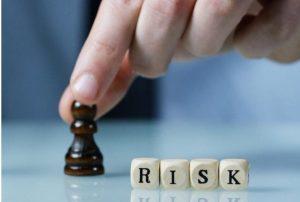 4545 300x202 - چگونه حساب تجاری تان را با مدیریت ریسک در امان نگه دارید؟