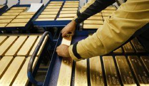 748674654 300x173 - قیمت انس طلا به 1490 دلار رسید
