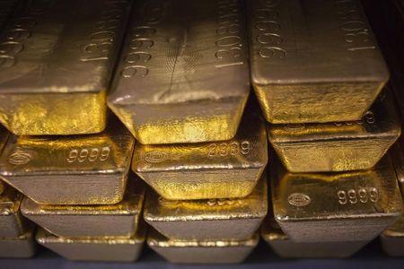 LYNXMPEA8G03Y M - طلا در روز جمعه به بالاترین قیمت دو هفته اخیر خود رسید
